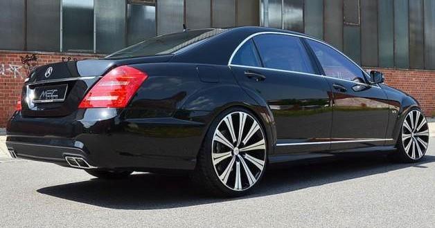 Prawy tył wynajmowanego Mercedesa S klasy
