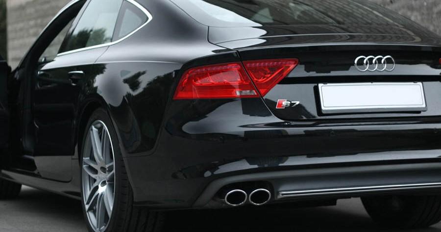 Wynajem Audi S7 - tył auta