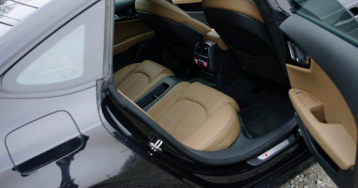 Wypożyczalnia Audi S7 - tył auta wewnątrz