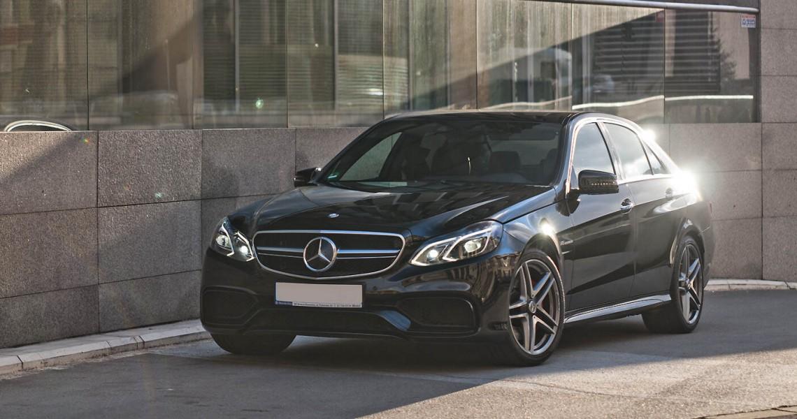 Przód Mercedes E63 AMG