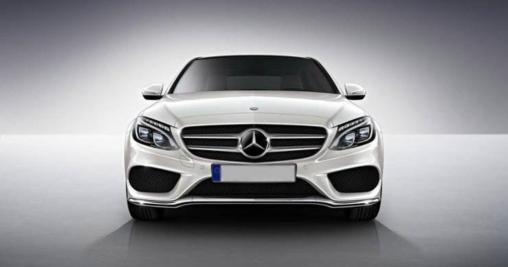 Przód wynajmowanego Mercedesa C klasy