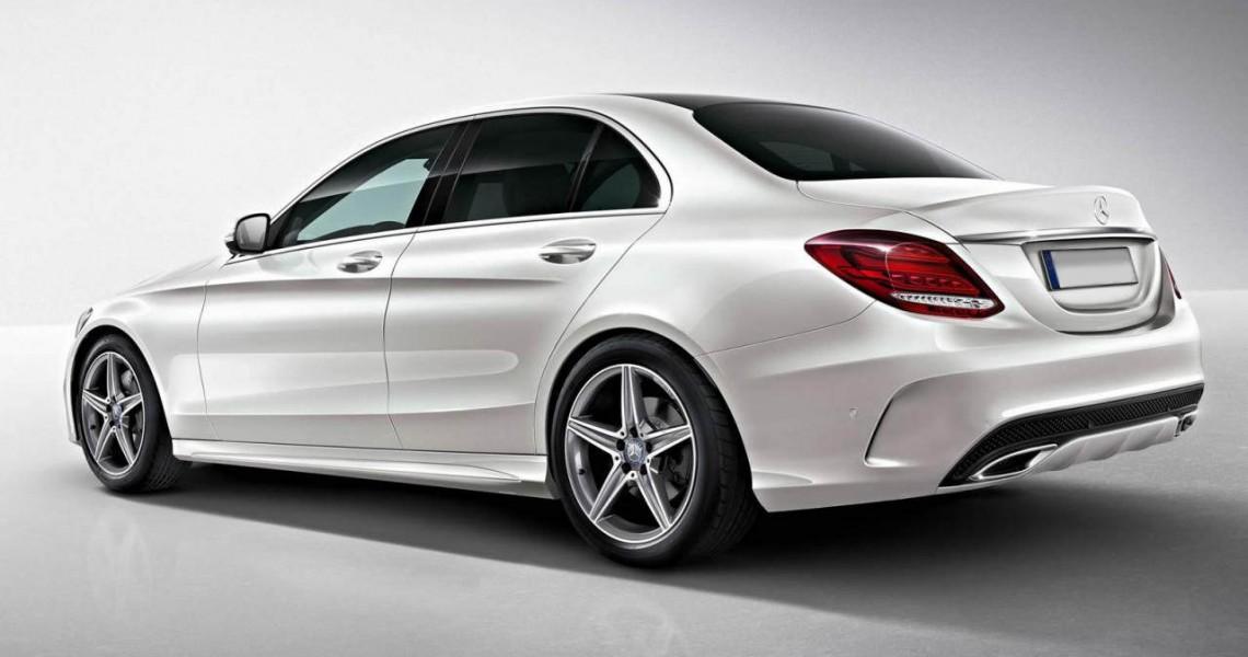 Lewy tył Mercedesa klasy C