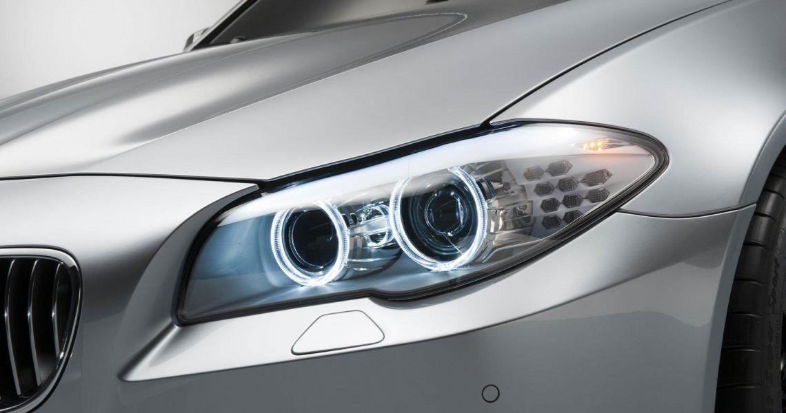 Przednie reflektory BMW M5