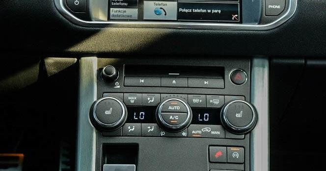Panel centralny Range Rover Evoque