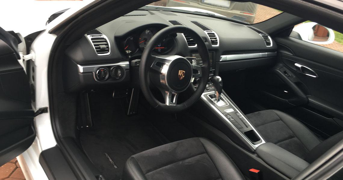 Porsche Cayman S widok w środku