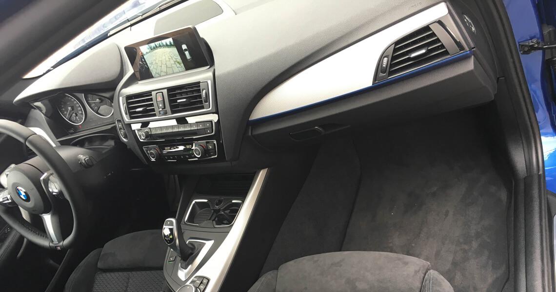 BMW m135i xDrive - środek