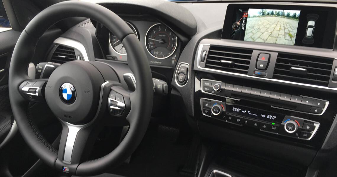 BMW m135i xDrive - środek deska